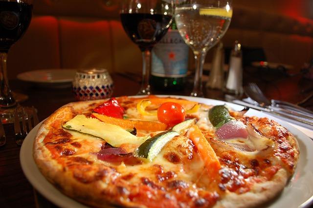 pizza-1032057_640