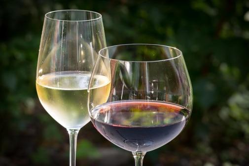 white-wine-848268_640