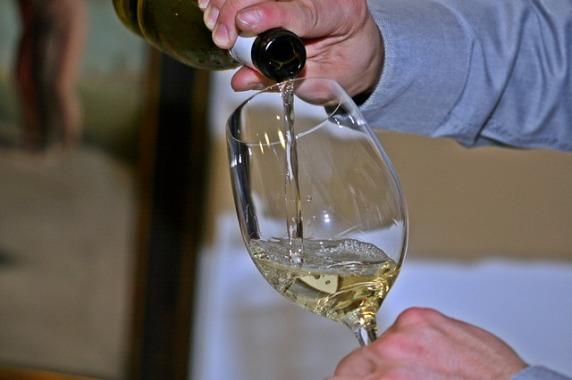 wine-786925_640