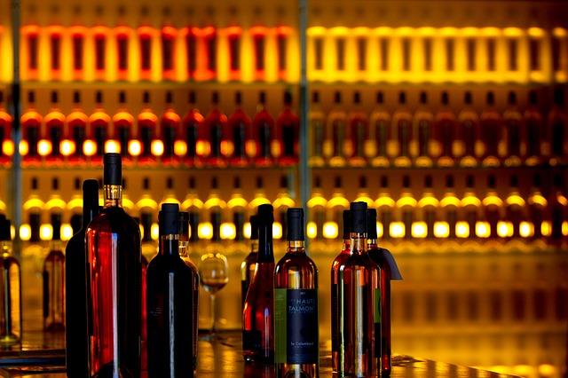 wines-573182_640