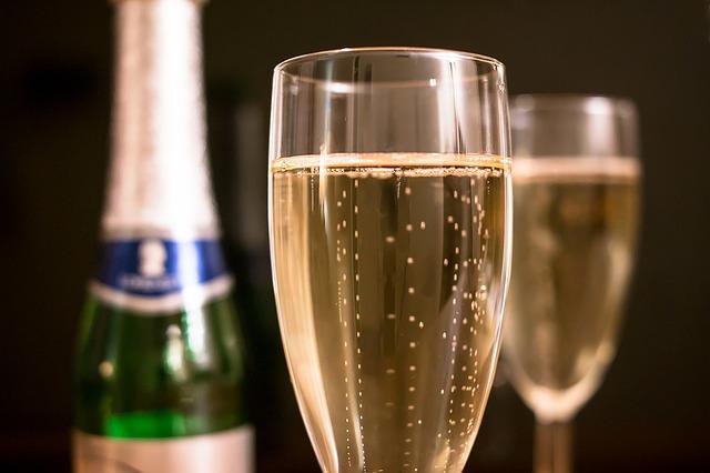 champagne-1110591_640