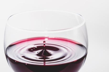 wine-933236_640
