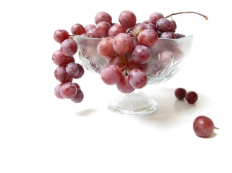 red-grapes-1320781-640x480