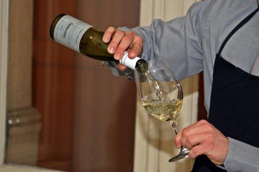 wine-786920_640