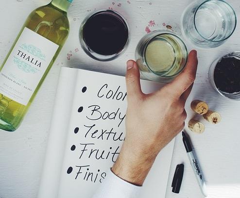 wine-1209019_640