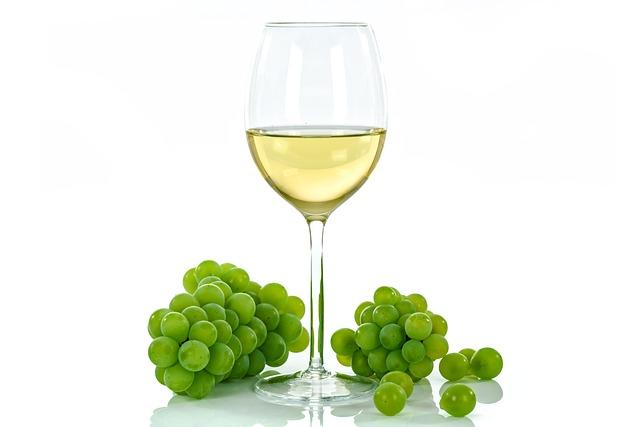 white-wine-1761575_640