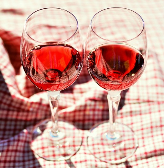 wine-glasses-2403112_640