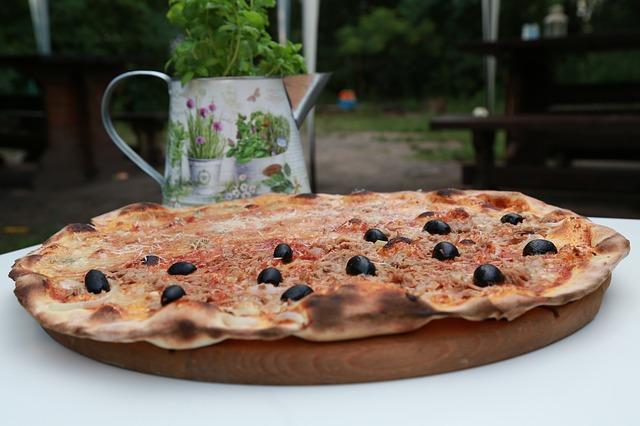 pizza-1626188_640