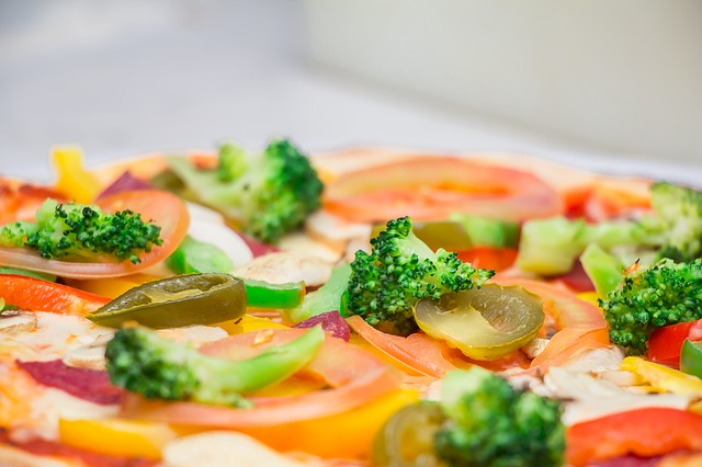 pizza-346985_640
