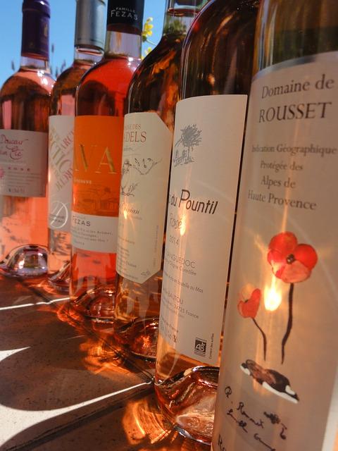bottles-2490657_640