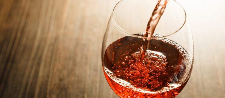 Como-o-vinho-rosé-é-feito-1180x517
